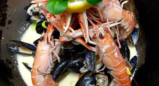 Lochcarron Bistro's Langoustines & Mussels in a White Wine Sauce - Fishbox