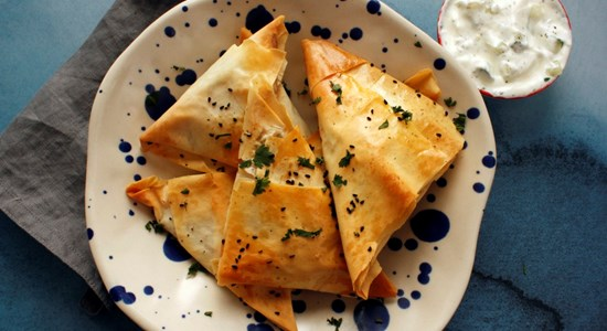CRAB AND PARMESAN BAKED SAMOSA