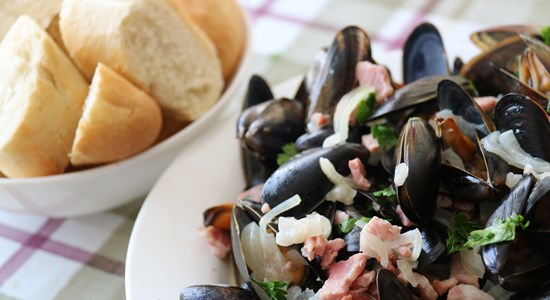 Bacon and Pear Cider Mussels